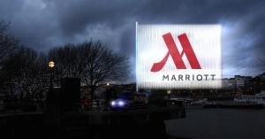 104911271-Marriot_LightVert.1910x1000